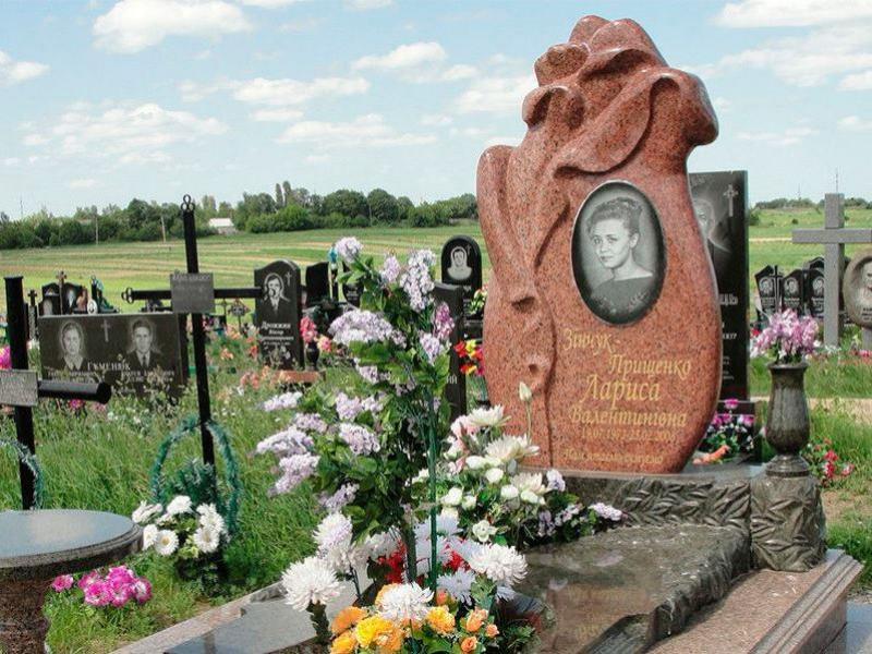Памятник Роза из двух видов гранита Белогорск подбор памятников Нарткала